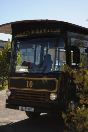 Franschhoek, South Africa: There's a wee bus for some of the locations.