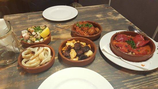 Estrella Morada Bar de Tapas : Well presented and delicious!