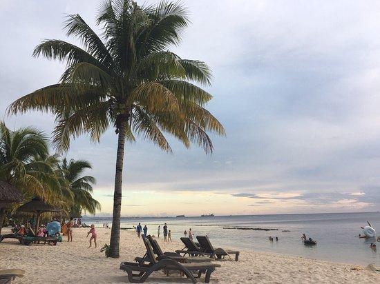Victoria Beachcomber Resort & Spa: photo1.jpg
