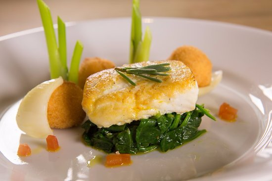 Whalley, UK: Fish of the day, served with wilted baby spinach, brown shrimps, fennel bonbons and caper vermou