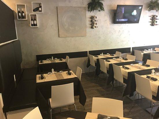 Pizze e arredamento - Picture of Dicocibo, Reggio Emilia ...