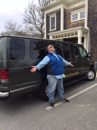 Vineyard Haven, MA: Brian, our wonderful tour guide