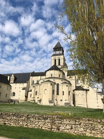 Fontevraud-l'Abbaye, Francia: photo0.jpg