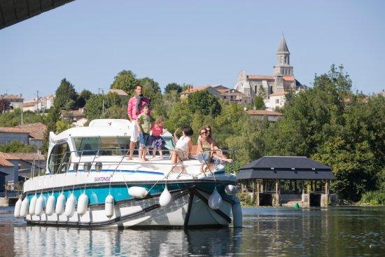 Roullet-Saint-Estephe, Frankrike: Inter-Croisières - VIsitez villes & villages au bord de la Charente