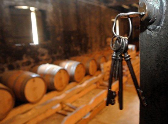 Roullet-Saint-Estephe, Frankrike: Inter-Croisières - En Charente ... on visite les chais de Cognac