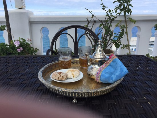 La Tangerina: Our welcome tea and sweets, on the sun deck.