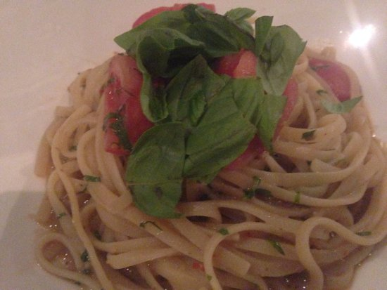 Woollahra, Australia: Linguine with Chilli & Anchovies