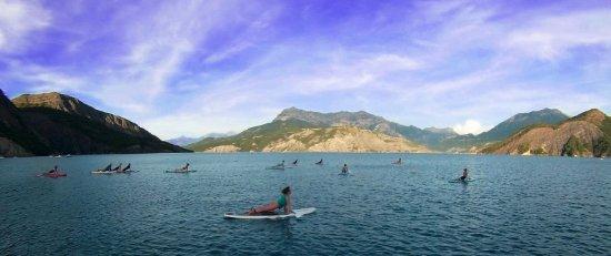 Руссе, Франция: Serre ponçon aloha, sup yoga, yoga ashanti. serre-poncon-aloha.com