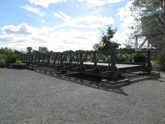 Ranville, Γαλλία: Bailey Bridge, on the yard outside the museum