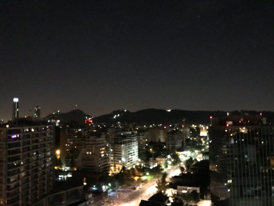 Santiago Metropolitan Region, Χιλή: View from the roof top at night.