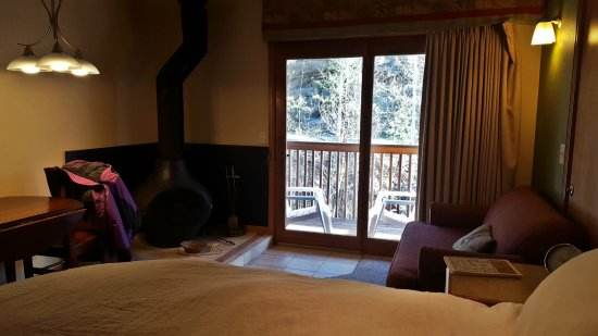 Ponderosa Lodge: 1492966960772_large.jpg