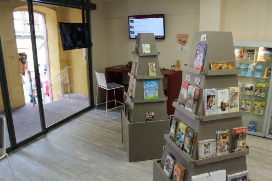Bureau daccueil de lOffice de Tourisme Riquewihr Picture of