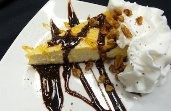 Bowling Green, OH: Turtle Cheesecake