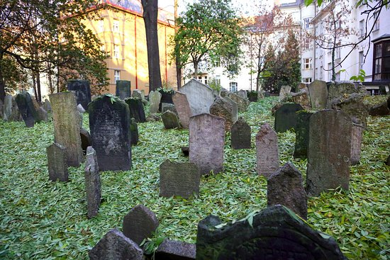 Old Jewish Cemetery: Старое еврейское кладбище