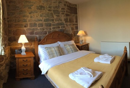 Flanesford Priory: Priory double bedroom
