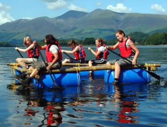 Kendal, UK: Hen Party: Raft building in the Lake District