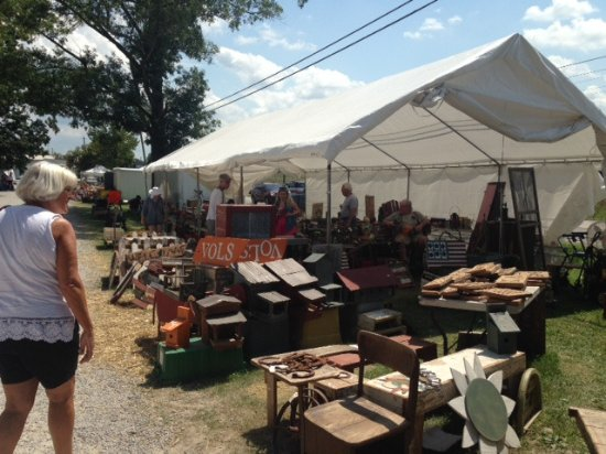 Clarkrange, Теннесси: World's Longest Yard Sale. Hwy 127 sale. It is amazing!