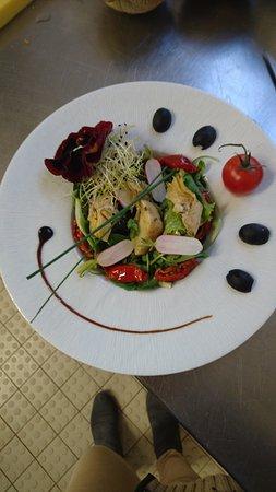 Saint-Martin-de-la-Place, Francja: salade césar au poulet