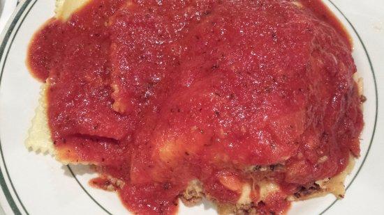 Oakhurst, CA: Lasagna & Cheese Ravioli