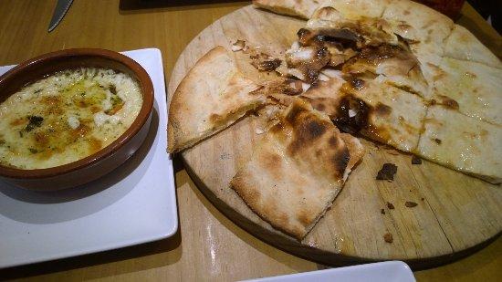 Galapagar, Spanyol: Provolone con pan de pizza