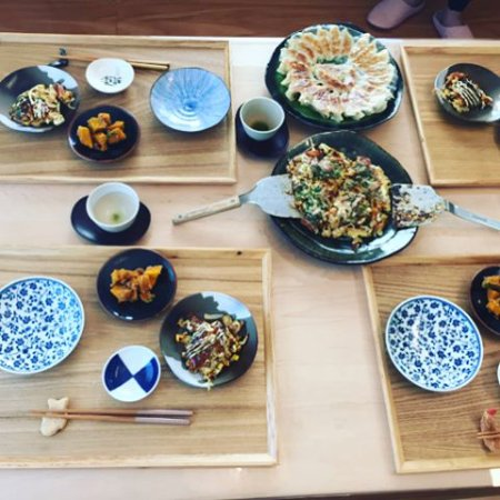 Arakawa, Japonia: We learned place setting! Wish we did this at the start of our trip, we would have understood mo