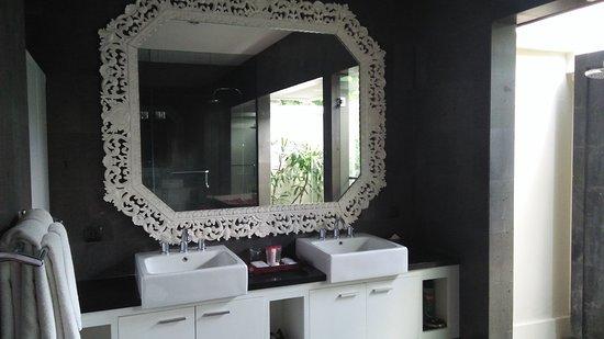 Nunia Boutique Villas : IMG20170420132124_large.jpg