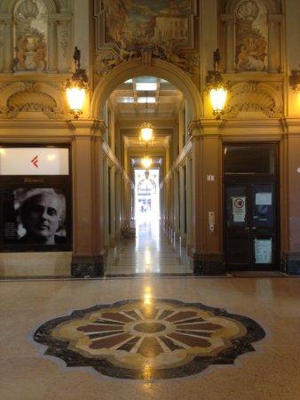 Galleria Acquaderni e Palazzo Unicredit