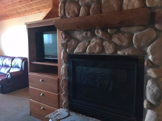 Nisswa, MN: Fireplace in room