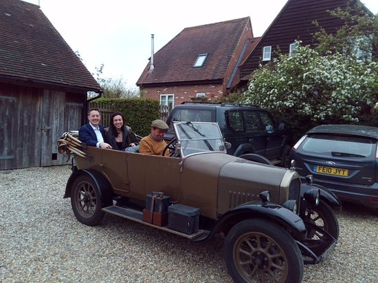 Field Farm Cottage: Pat and his awesome car