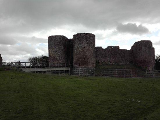 Abergavenny, UK: beautiful preserved White Castle