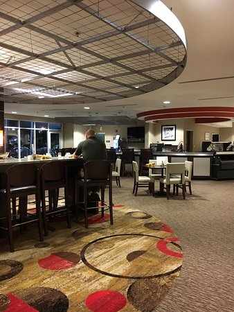 DoubleTree by Hilton Hotel Savannah Airport: photo1.jpg