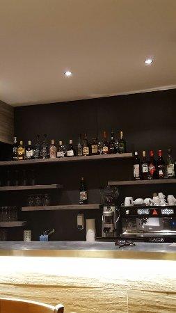 Saint-Blaise, Switzerland: Restaurant Comme Chez Vous - Chez Alex