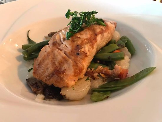 Averill Park, NY: Grilled Salmon