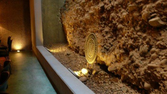 La Posada de Bodega Vistalba: la cava , corte del suelo