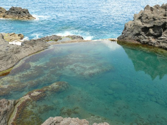 Piscine naturelle de seixal picture of porto moniz natural swimming pools - Piscine naturelle couverte ...