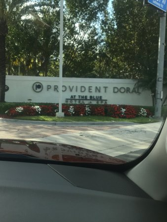 Provident Doral at The Blue Miami: Place is good with local restaurants and stores away from the traffic.