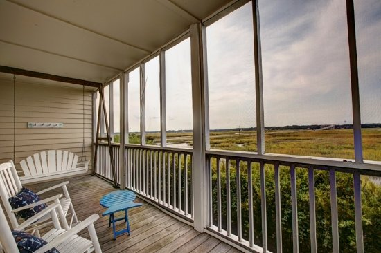 Sunset Beach, Carolina del Norte: View of salt water marsh from The Vesta Grand Room