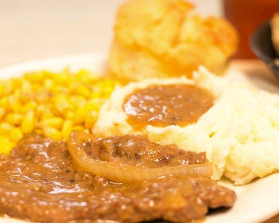 Little River, SC: Southern Food done like Yo Mama's