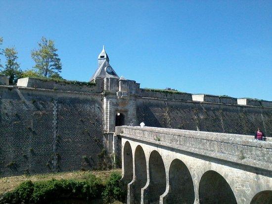 Blaye, Fransa: Pont d'accès