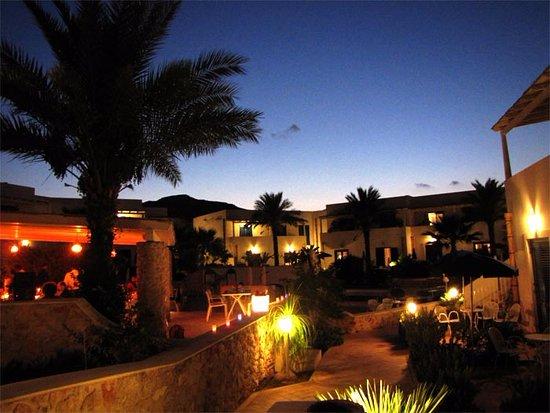 Villaggio Cala La Luna: Atmosfera al tramonto