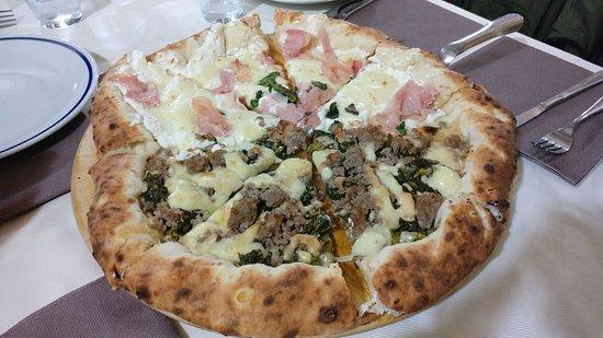 Ozzano dell'Emilia, Italia: Che pizza fantastica!!!