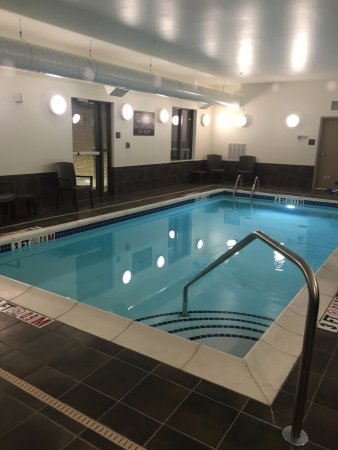 Cumberland, MD: Nice, clean area... indoor pool was kept a bit cold for the time of the year