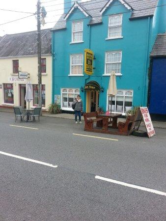 Sneem, Irlanda: B&B facile à trouver grâce à son beau bleu turquoise