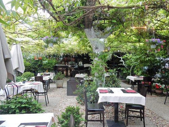 L 39 esterno foto di le petit jardin milano tripadvisor - Le petit jardin wittenberge colombes ...