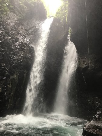 Gitgit Waterfall: photo0.jpg