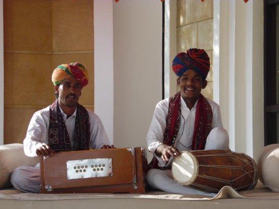 The Leela Palace Udaipur: musiciens vous accueillant