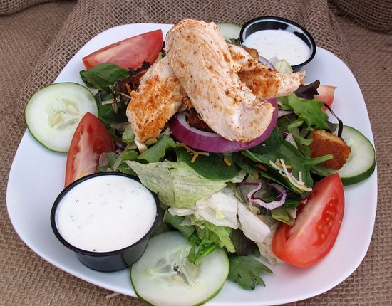 Farmville, VA: Large Rabbit Salad with Grilled Chicken and Ranch