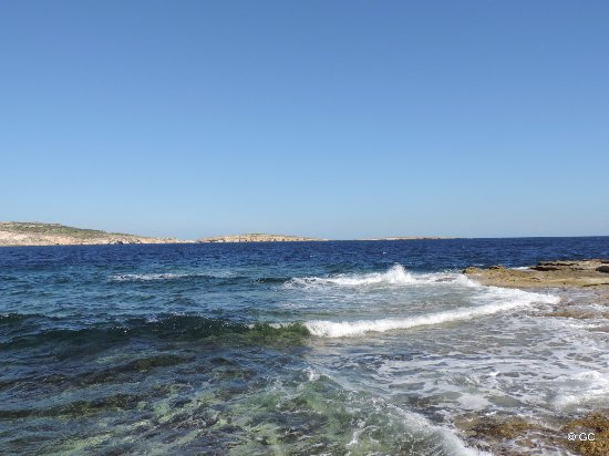 Bugibba, Malta: A Buggiba, mer agitée.