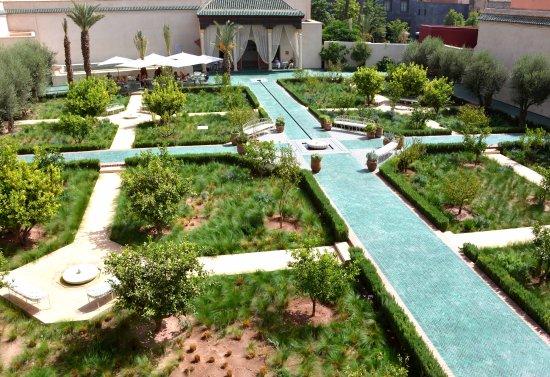 Le jardin secret picture of dar housnia marrakech for Le jardin secret livre