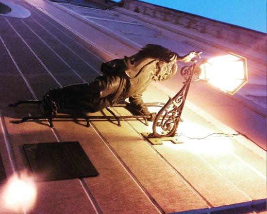 Lamplighter Statue